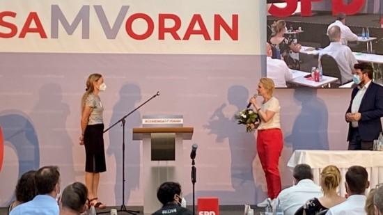 Sonja Steffen und Manuela Schwesig